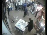 Драка в ТЦ Академгородка. г. Красноярск. Следи за чуваком, который вырубил первым!!)))